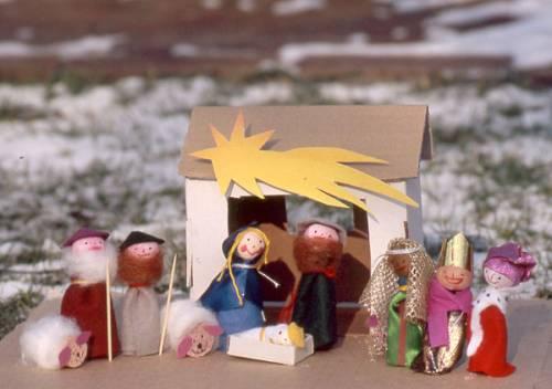 Weihnachtskrippe Für Kinder.Basteln Mit Kindern Kostenlose Bastelvorlage Advent Winter Und