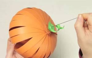 basteln mit kindern kostenlose bastelvorlage halloween k rbis aus papier. Black Bedroom Furniture Sets. Home Design Ideas