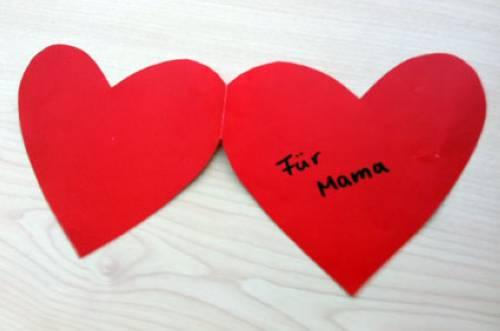Basteln Mit Kindern Kostenlose Bastelvorlage Muttertag Herzkarte