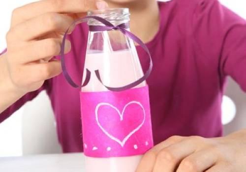 Kostenlose Verzierte Flasche zum Muttertag basteln zum Basteln