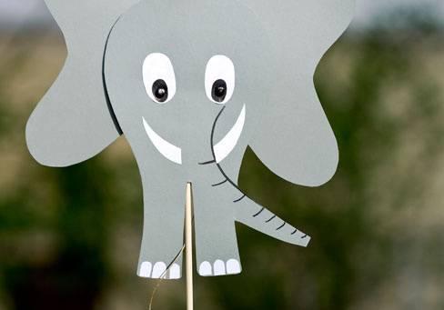 basteln mit kindern kostenlose bastelvorlage tiere wackelohren elefant. Black Bedroom Furniture Sets. Home Design Ideas