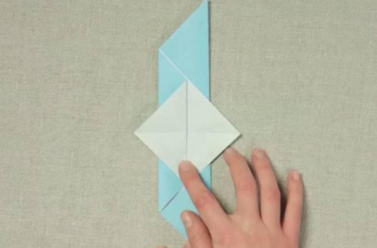 bastelvorlage origami und papier origami vogel zum basteln. Black Bedroom Furniture Sets. Home Design Ideas