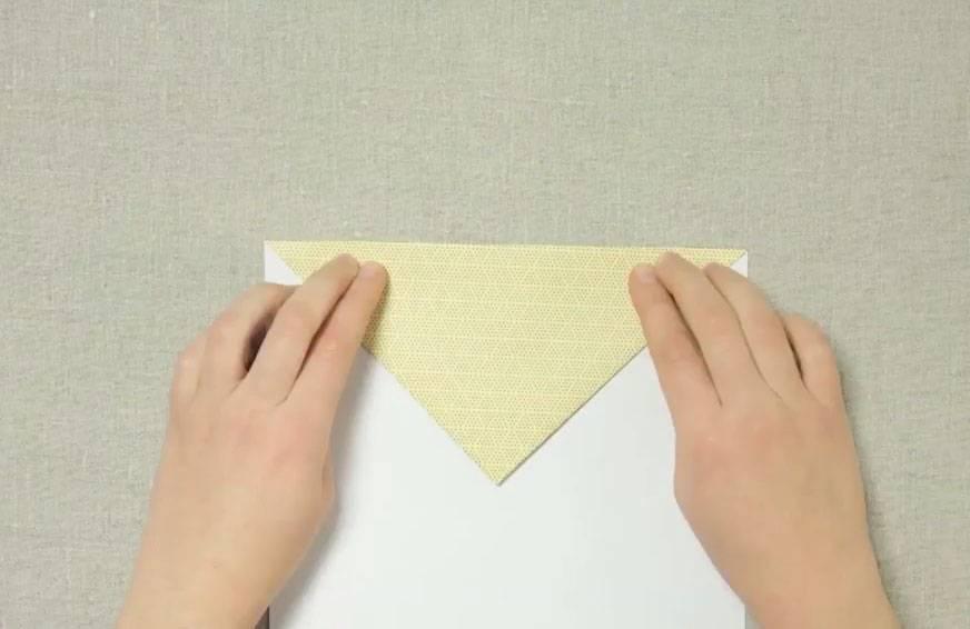 basteln mit kindern kostenlose bastelvorlage origami und papier papierflieger basteln. Black Bedroom Furniture Sets. Home Design Ideas