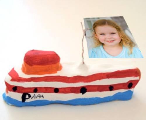 basteln mit kindern kostenlose bastelvorlage vatertag foto boot aus ton. Black Bedroom Furniture Sets. Home Design Ideas