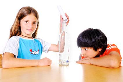 experiment für kinder - experimente mit bewegung: magische murmel