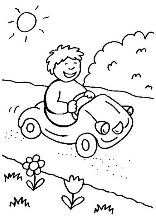 Kostenlose Malvorlage Rund ums Spielen: Junge mit Bobbycar zum