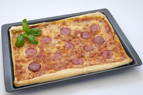 rezepte f r kinder rezepte aus aller welt pizza aus italien. Black Bedroom Furniture Sets. Home Design Ideas