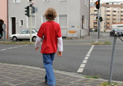 Verkehrserziehung Die Fußgänger Ampel Schaltet Um