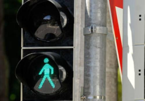Verkehrserziehung Bei Rot Stehen Bei Grün Gehen