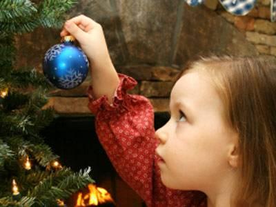 warum wird zu weihnachten ein baum geschm ckt. Black Bedroom Furniture Sets. Home Design Ideas