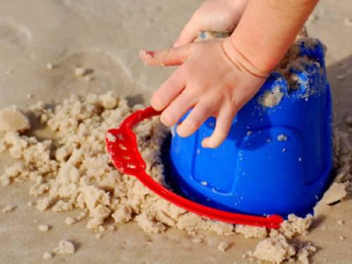 warum ist nasser sand leichter als trockener. Black Bedroom Furniture Sets. Home Design Ideas